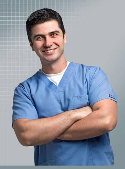 Cirurgião plástico especialista em rinoplastia