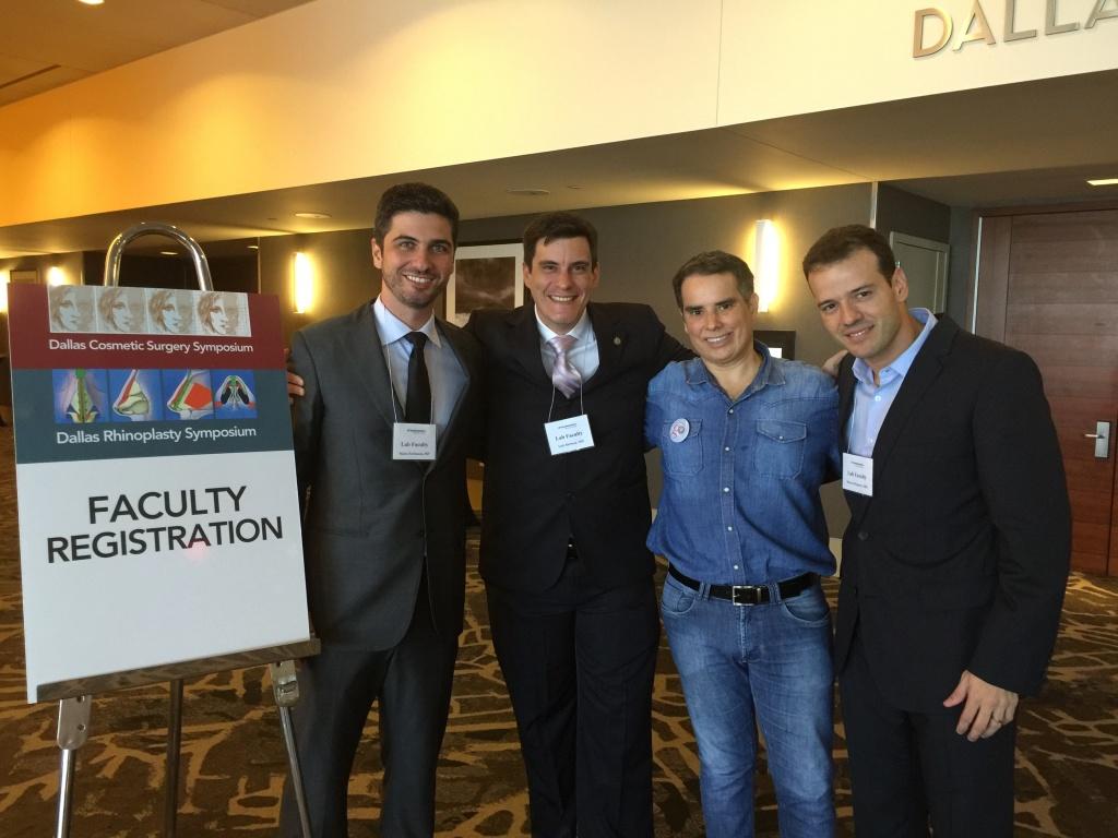 Dr. Mário Farinazzo e equipe de cirurgiões brasileiros em Dallas.