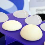 Entenda os diferentes tipos de implantes mamários